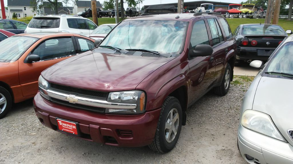 2005 Chevrolet Trailblazer for sale at Towpath Motors | Used Car Dealer in Peninsula Ohio
