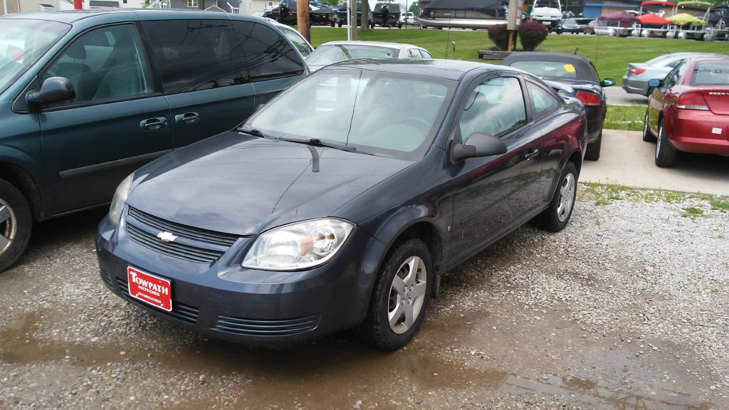 2008 Chevrolet Cobalt for sale at Towpath Motors | Used Car Dealer in Peninsula Ohio