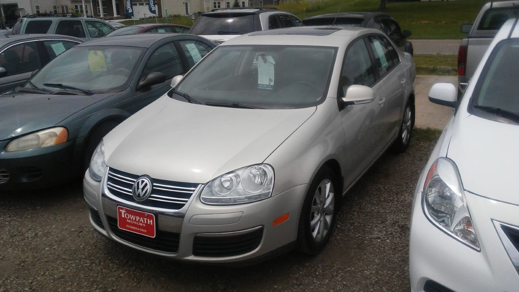 2010 Volkswagen Jetta for sale at Towpath Motors | Used Car Dealer in Peninsula Ohio