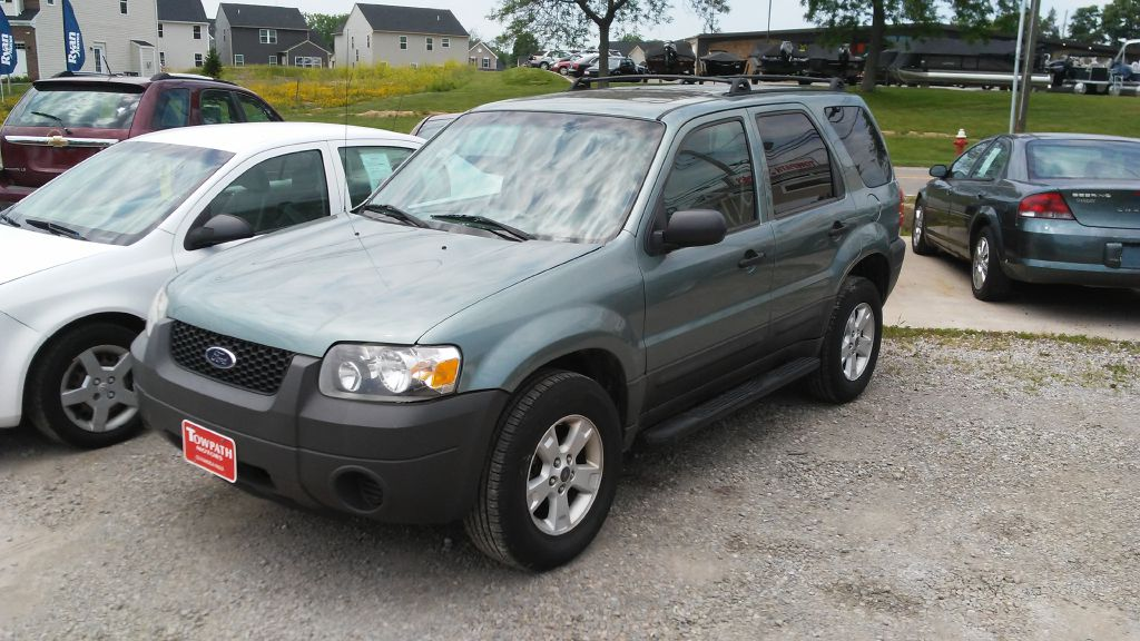 2005 Ford Escape for sale at Towpath Motors | Used Car Dealer in Peninsula Ohio