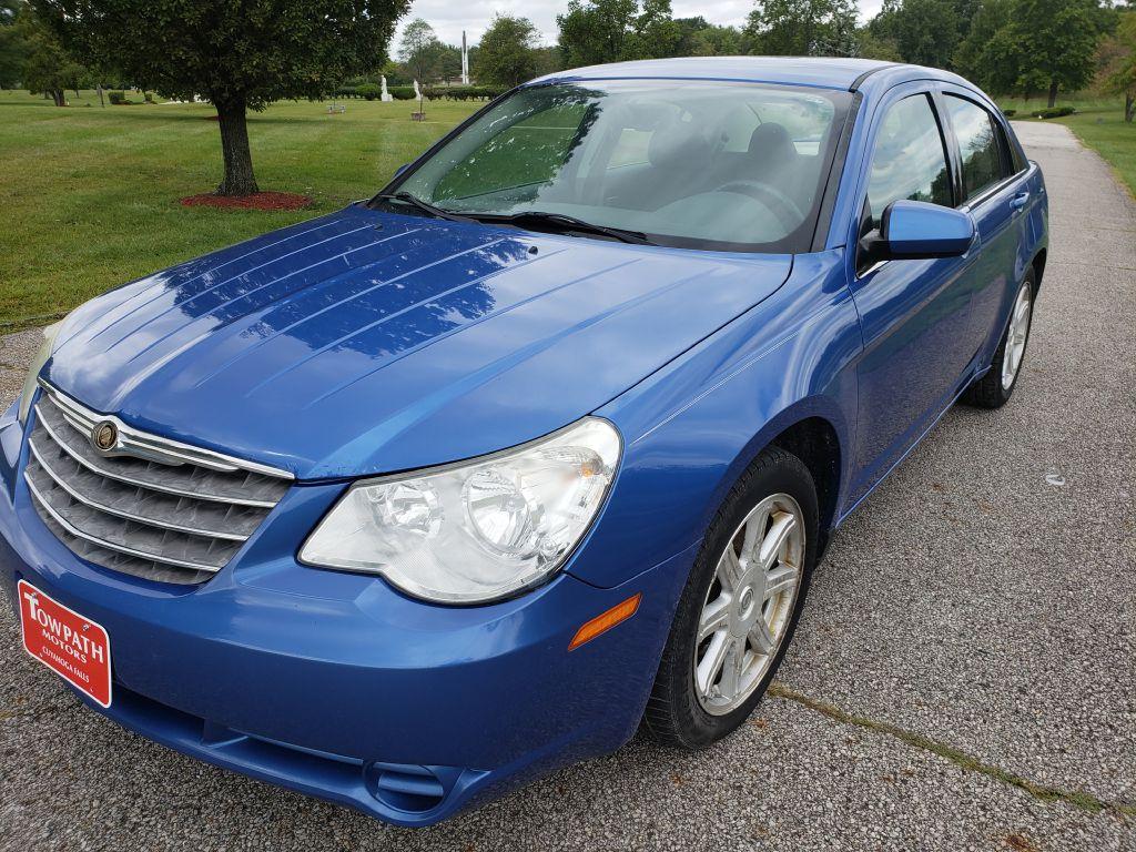2007 Chrysler Sebring for sale at Towpath Motors | Used Car Dealer in Peninsula Ohio