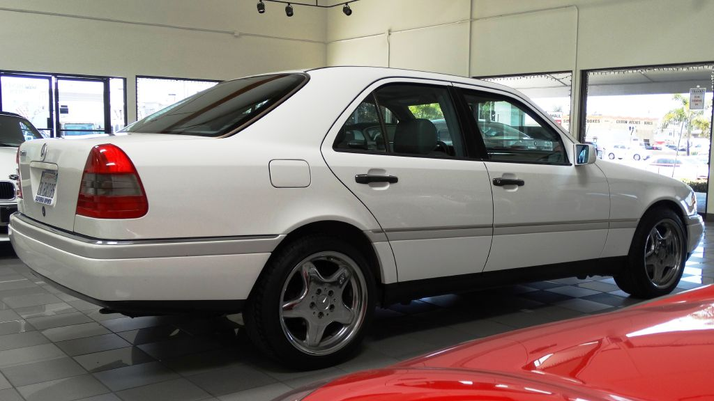1995 Mercedes C220 C220 LOW MILES 0-Accidentes Air Conditioning Power Windows Power Lock