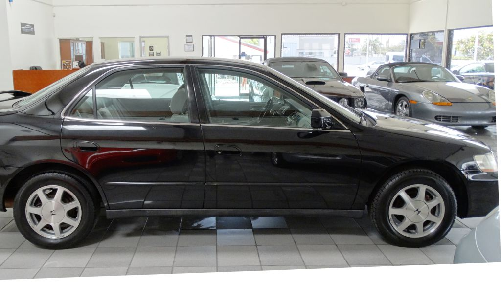 2000 HONDA ACCORD LX 0-Accidents Air Conditioning Power Windows Power Locks Power Steering Ti