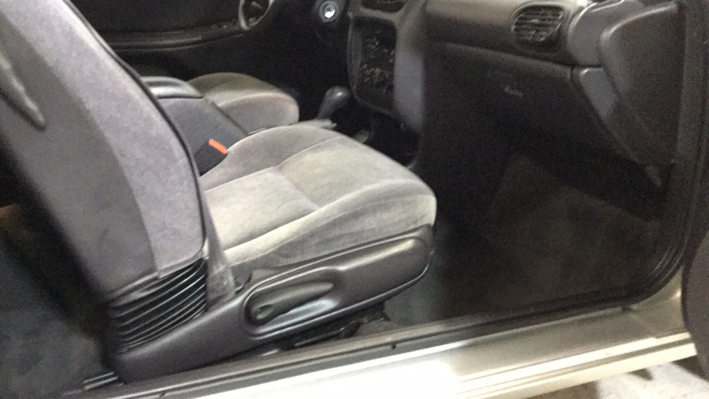 2000 CHRYSLER SEBRING JX for sale at Tradewinds Motor Center