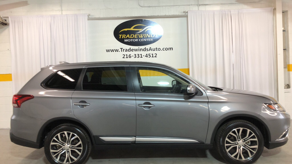 2018 MITSUBISHI OUTLANDER SE for sale at Tradewinds Motor Center