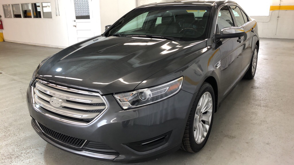 2018 FORD TAURUS LIMITED for sale at Tradewinds Motor Center