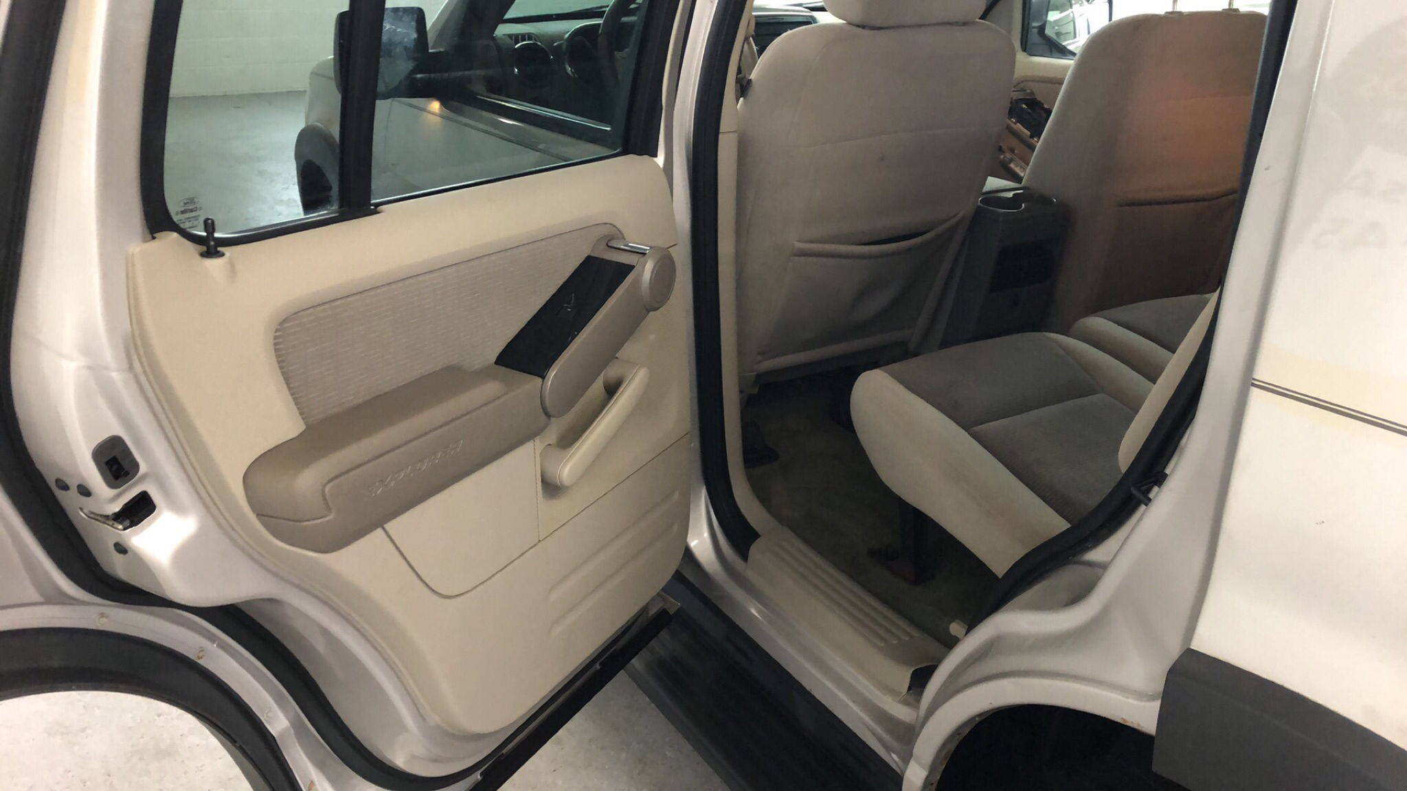 2006 FORD EXPLORER XLT for sale at Tradewinds Motor Center