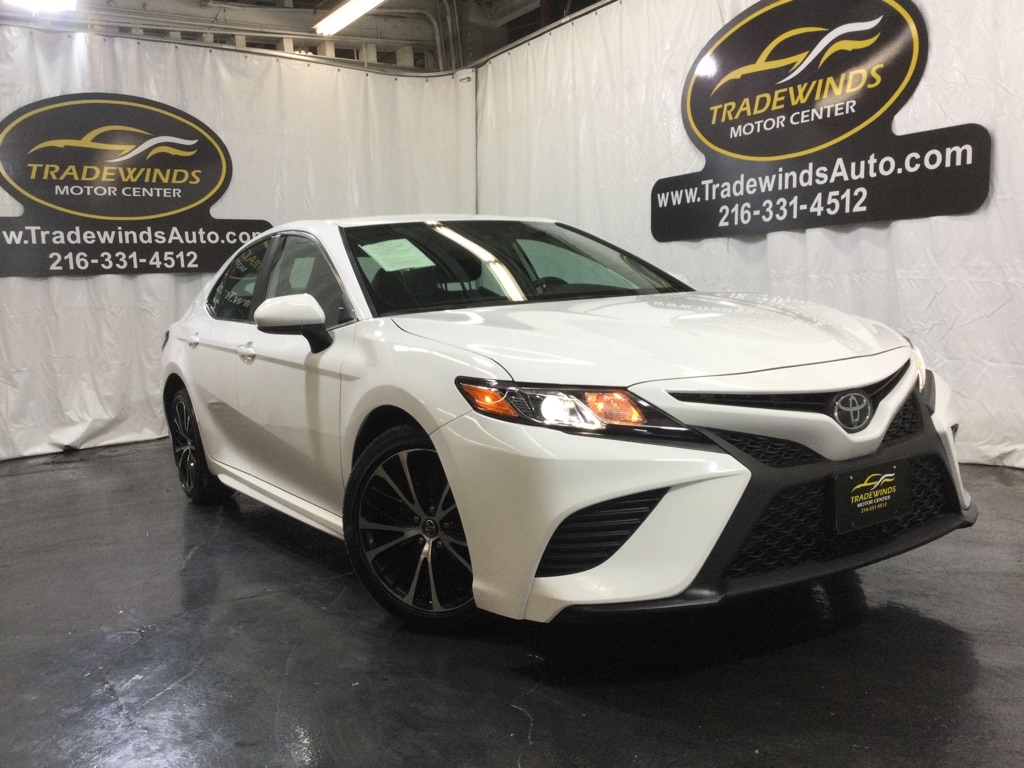 2020 TOYOTA CAMRY SE for sale at Tradewinds Motor Center