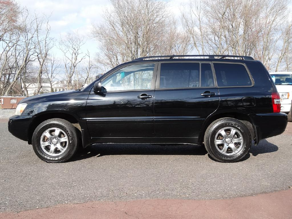 2005 TOYOTA HIGHLANDER LIMITED for sale at Source One Auto Group
