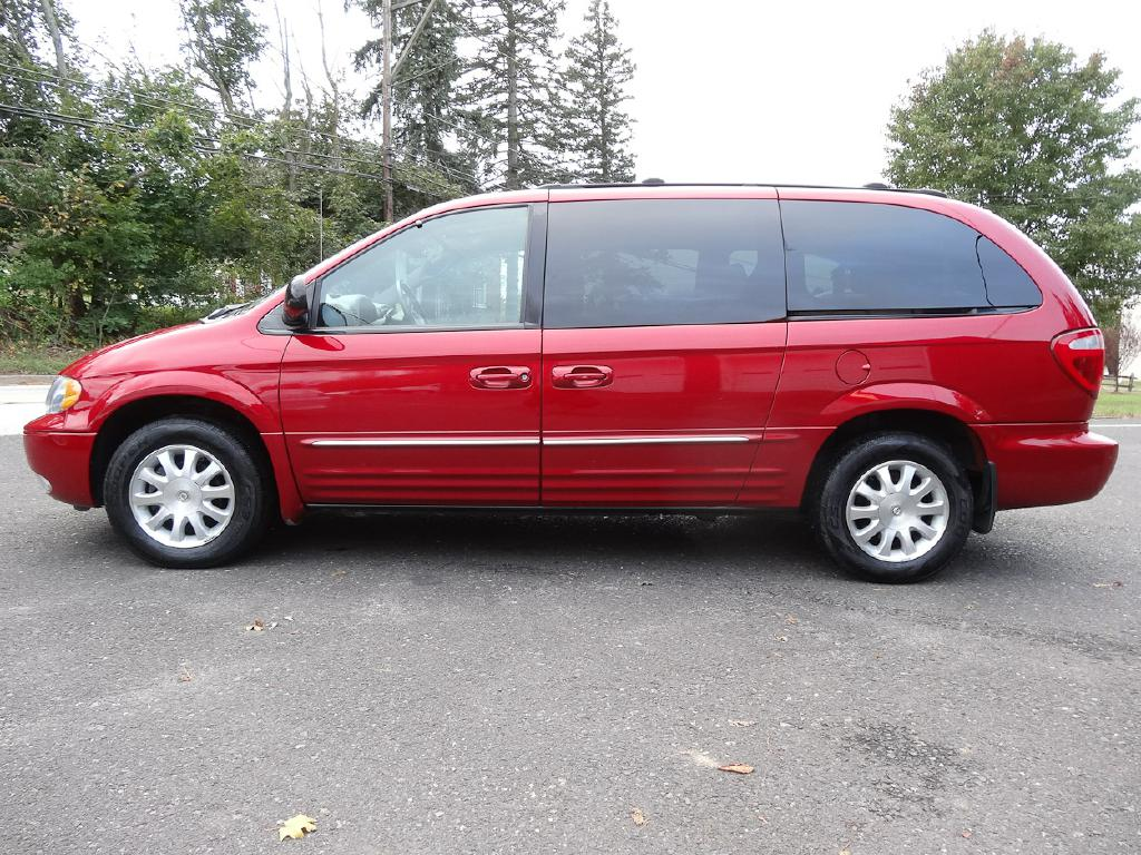 2003 chrysler town country lxi for sale at source one. Black Bedroom Furniture Sets. Home Design Ideas