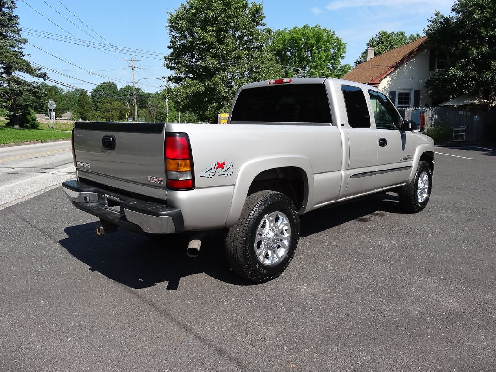 2004 GMC SIERRA 2500 HD SLE for sale at Source One Auto Group