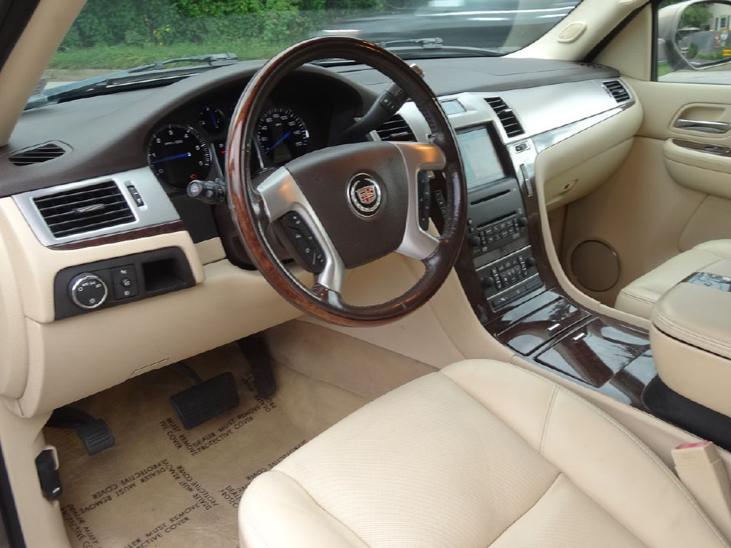 2007 CADILLAC ESCALADE ESV for sale at Source One Auto Group