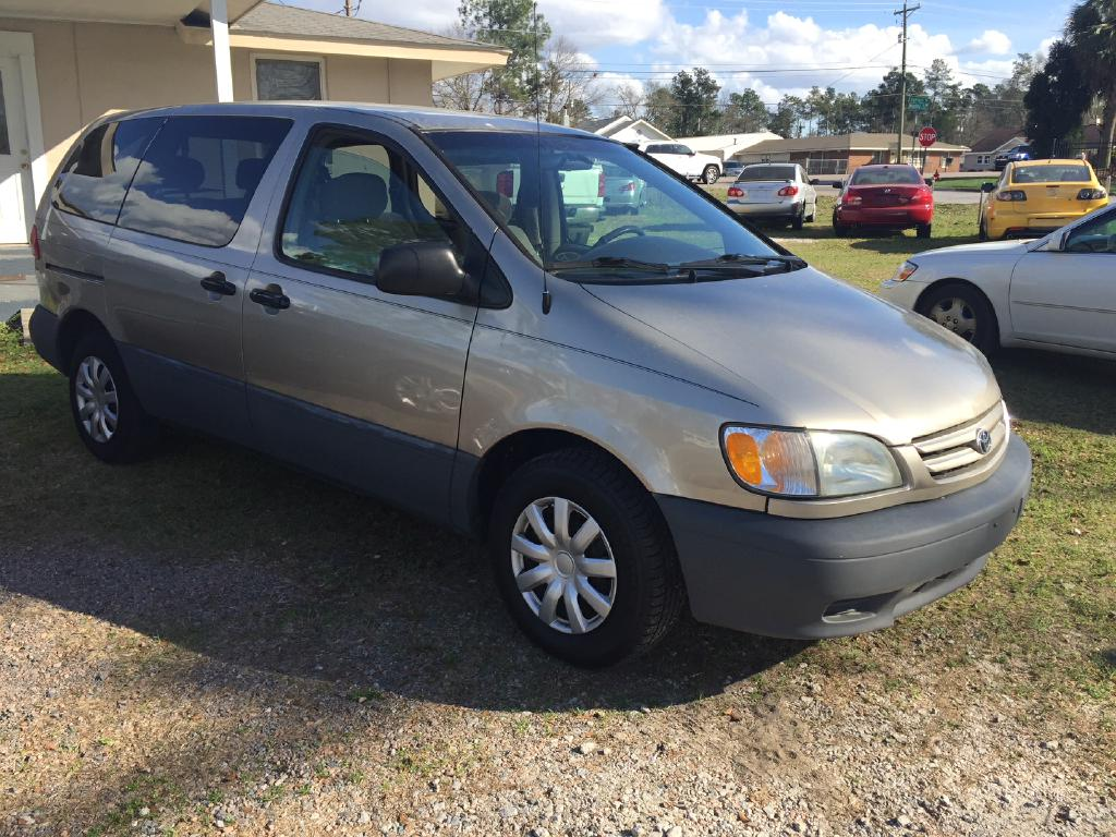 2001 TOYOTA SIENNA CE Air Conditioning Power Windows Power Locks Power Steering Tilt Wheel AM