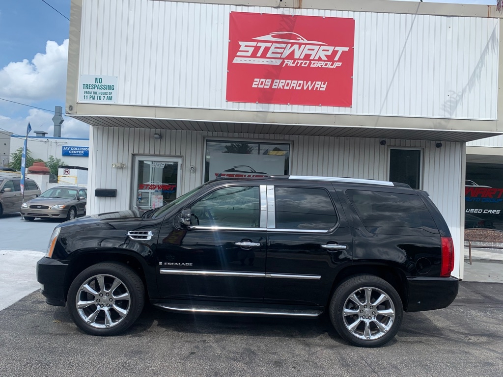 2007 CADILLAC ESCALADE LUXURY for sale at Stewart Auto Group