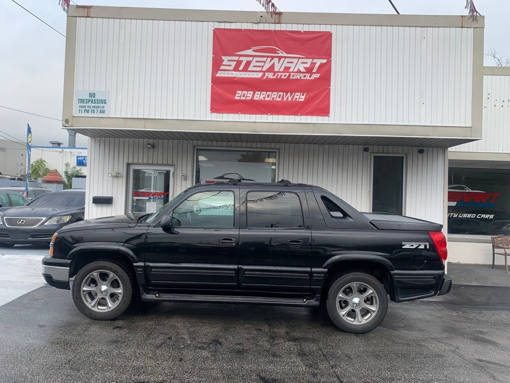 2004 CHEVROLET AVALANCHE 1500 for sale at Stewart Auto Group