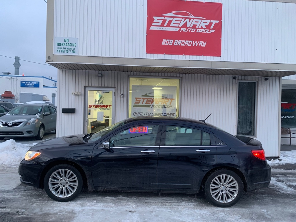 2011 CHRYSLER 200 LIMITED for sale at Stewart Auto Group