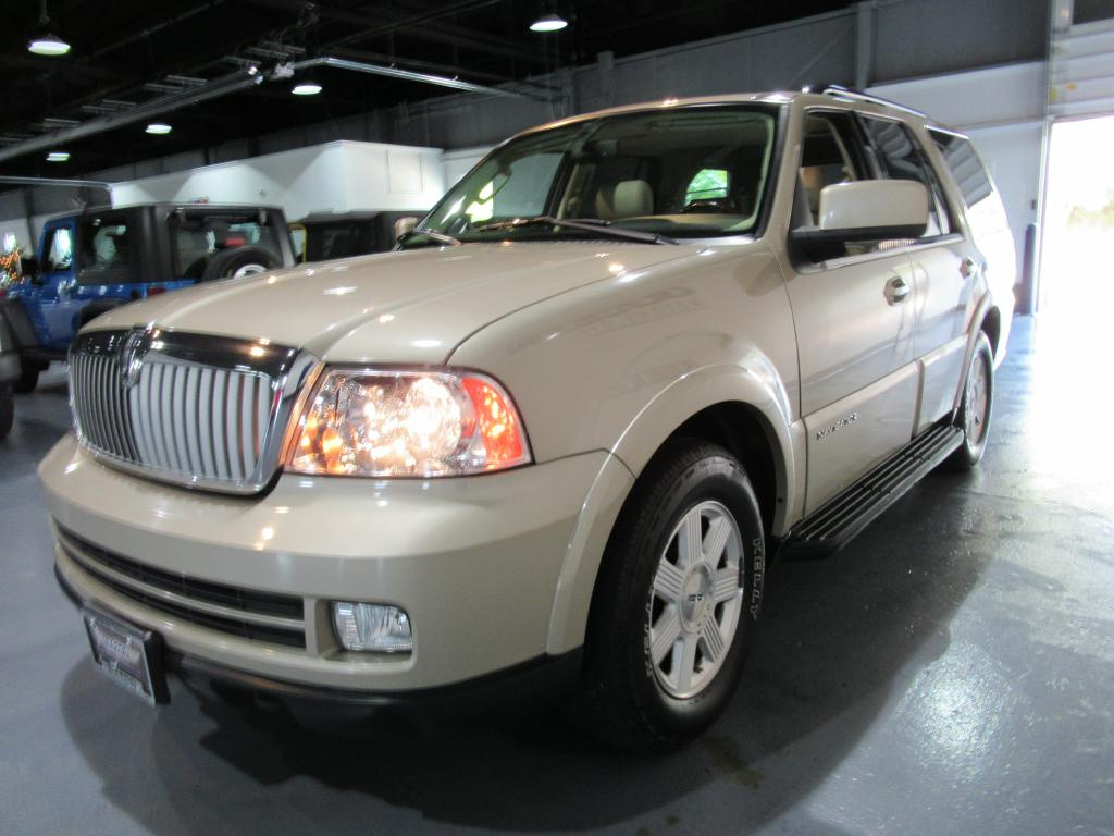 2006 lincoln navigator for sale in akron legacy motors of akron used suvs for sale. Black Bedroom Furniture Sets. Home Design Ideas