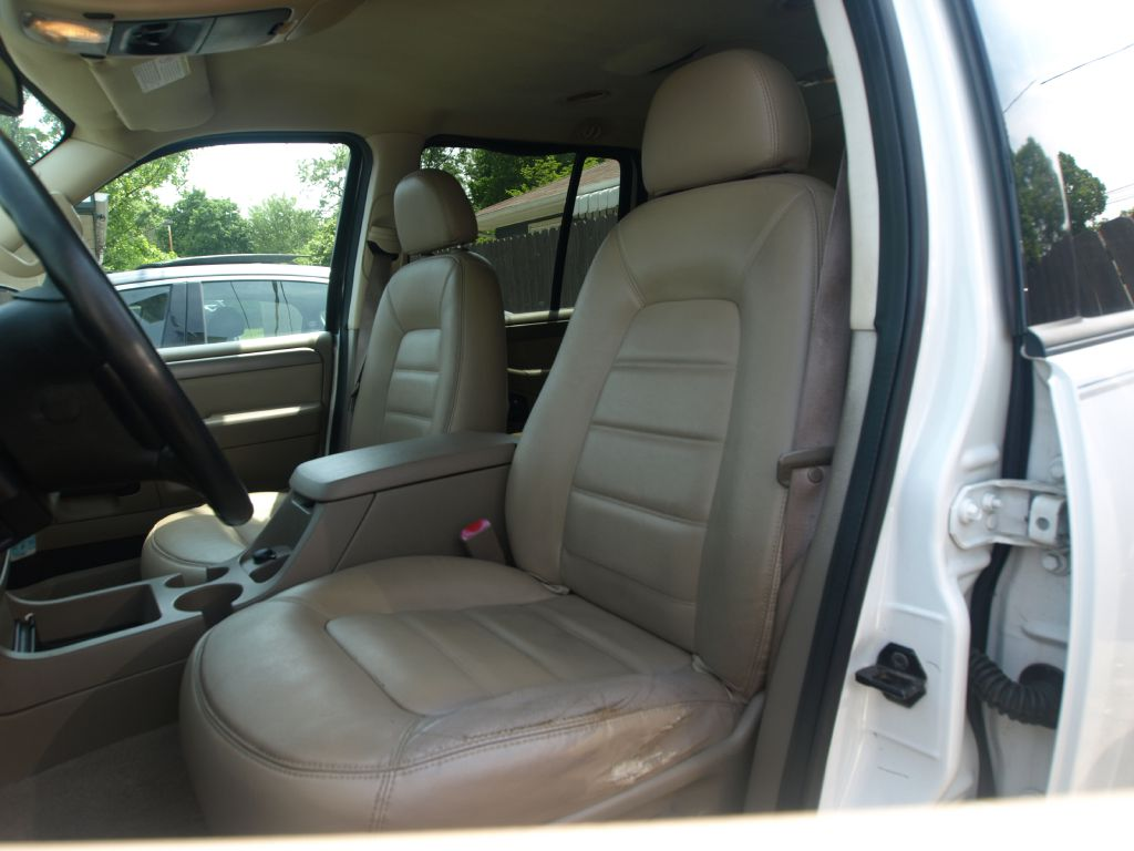 2004 FORD EXPLORER XLT for sale at Ideal Motorcars