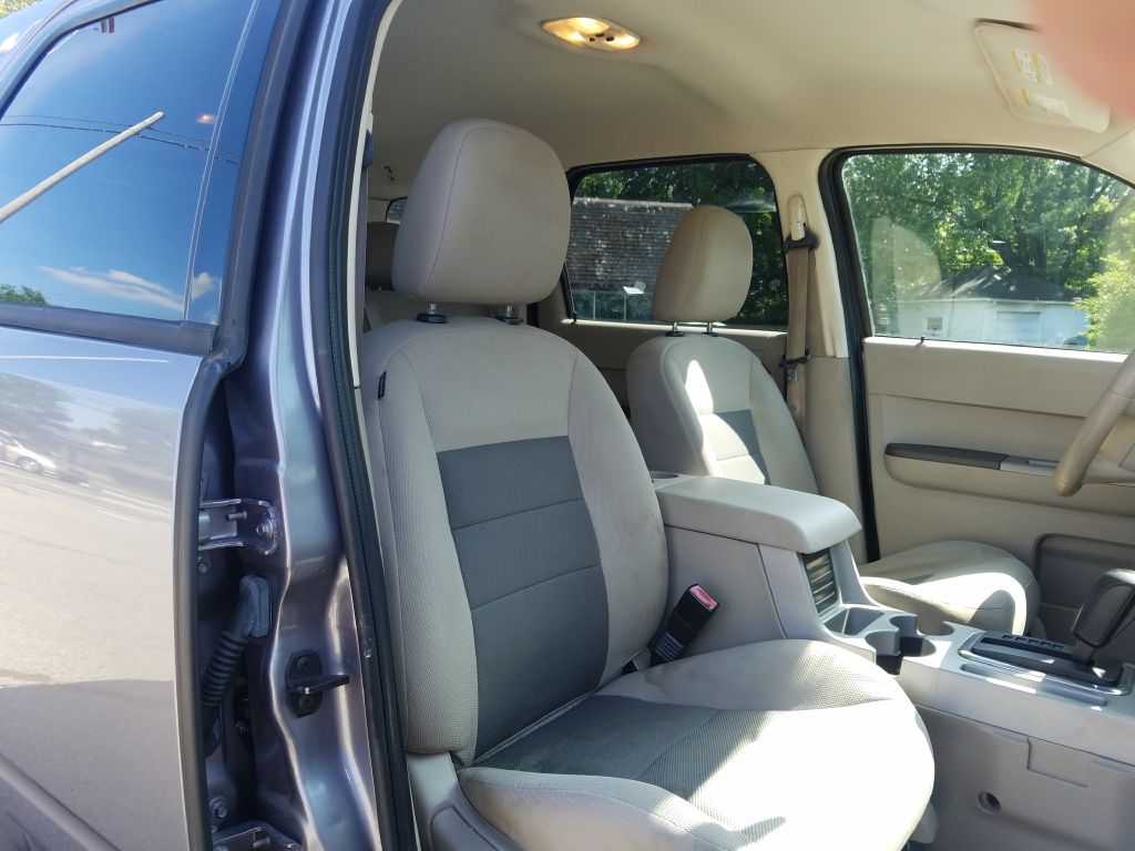 2008 FORD ESCAPE XLT for sale at Ideal Motorcars