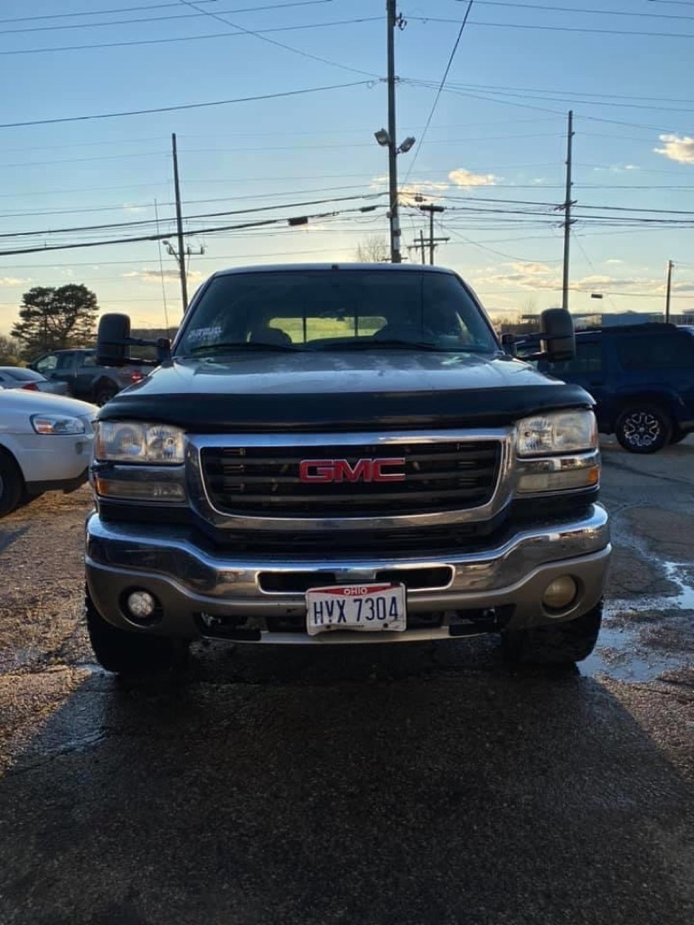 2005 GMC SIERRA 2500 HEAVY DUTY for sale at Xtreme Auto Group
