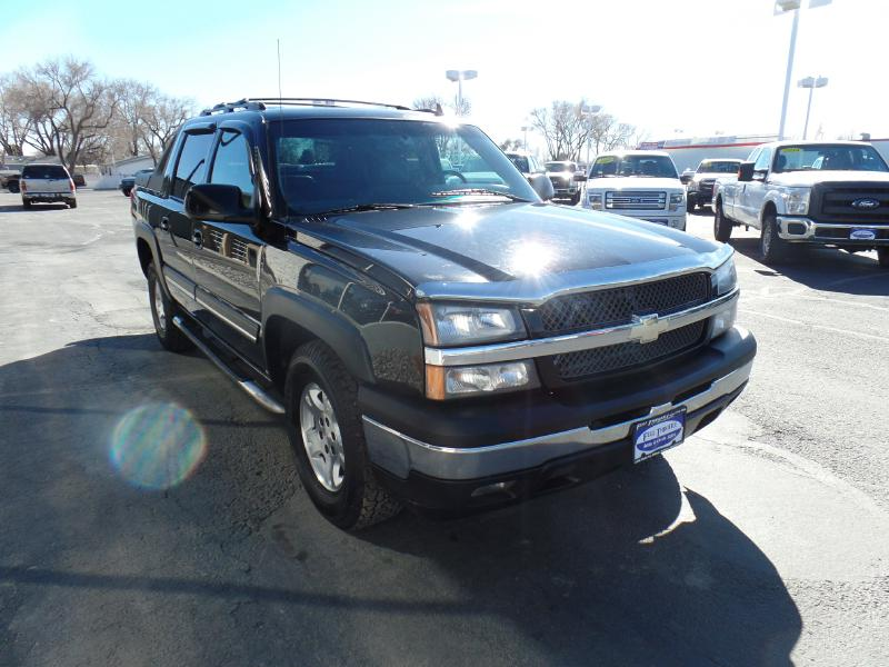 2006 chevrolet avalanche black with 152000 miles available now used chevrolet avalanche for. Black Bedroom Furniture Sets. Home Design Ideas