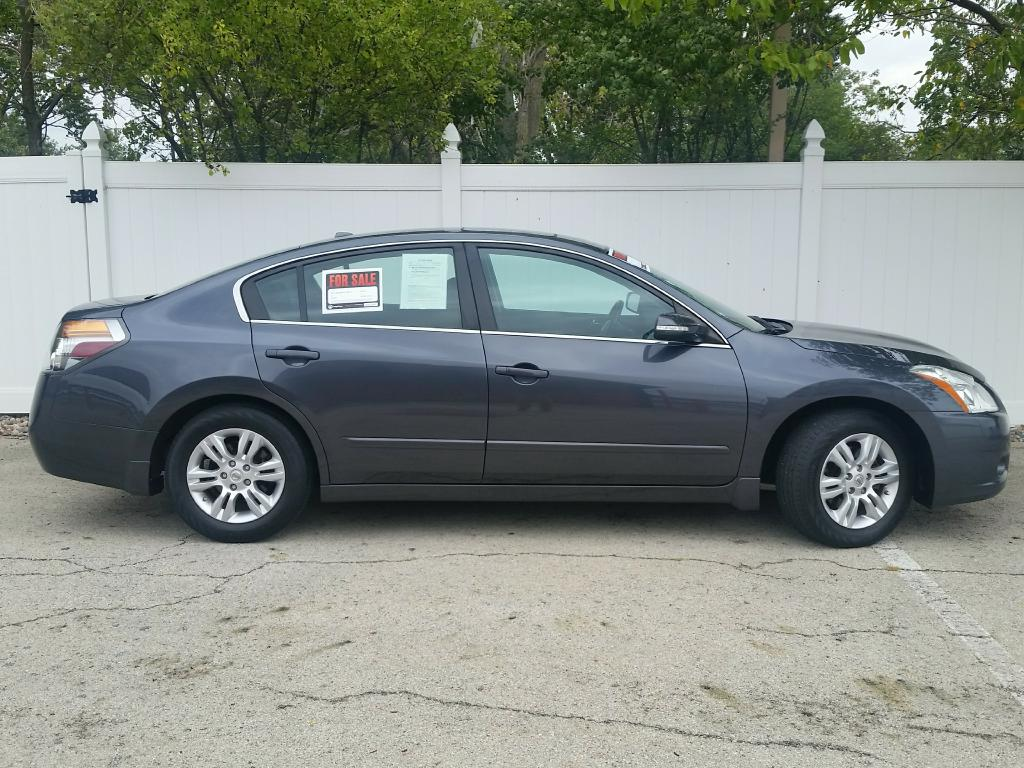 2011 nissan altima s 74 835 miles grey continuously. Black Bedroom Furniture Sets. Home Design Ideas