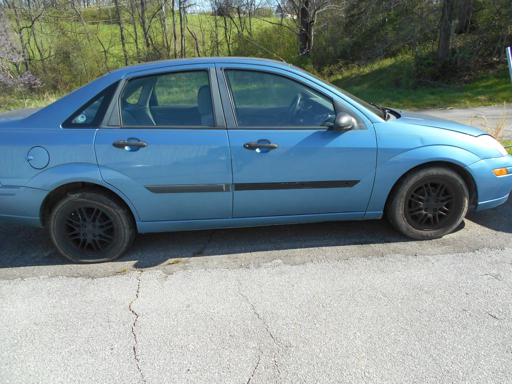 2000 FORD FOCUS 1FAFP33P2YW222750 T & J AUTO