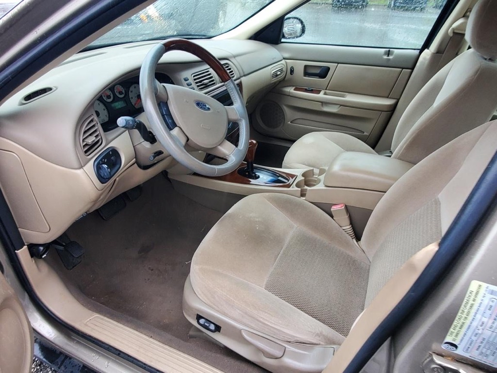 2005 FORD TAURUS SEL for sale at BH Automotive