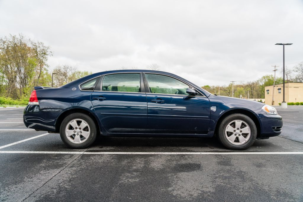 2008 CHEVROLET IMPALA LT for sale at JJ's Auto Outlet