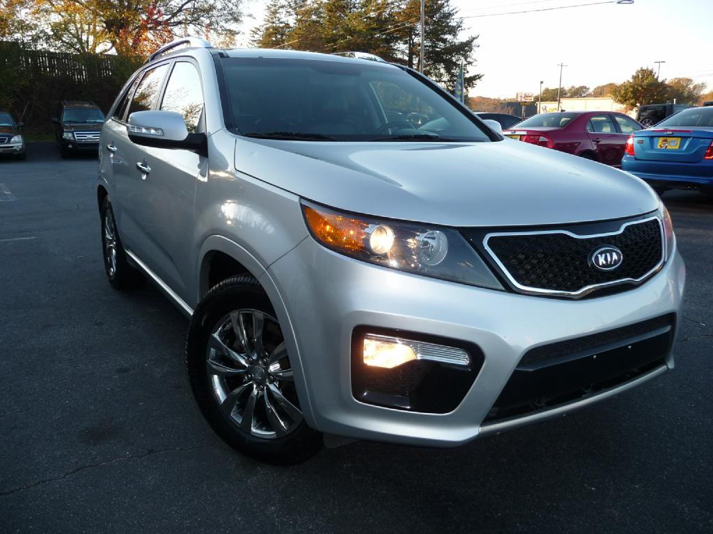 2012 KIA SORENTO SX Dual Front Airbags Side Airbags Head Airbags Rear Head Airbags Active Seat
