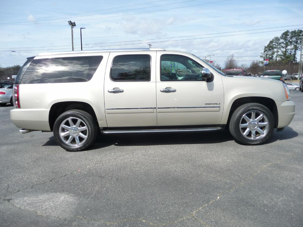 2013 GMC YUKON XL DENALI Air Conditioning Power Windows Power Locks Power Steering Tilt Wheel