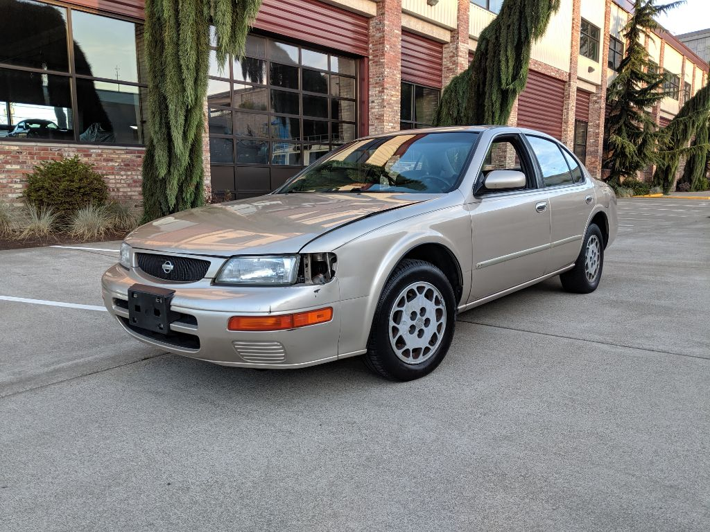 Nissan Maxima 1996 for Sale in Tacoma, WA