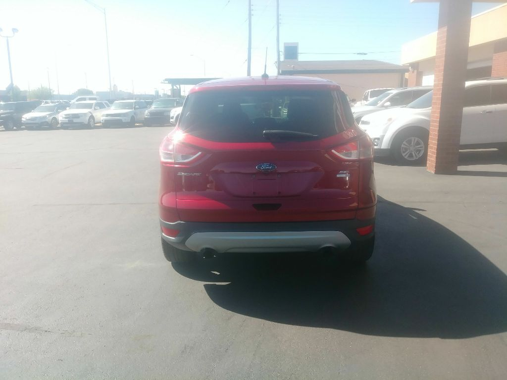 2016 Ford ESCAPE SE /