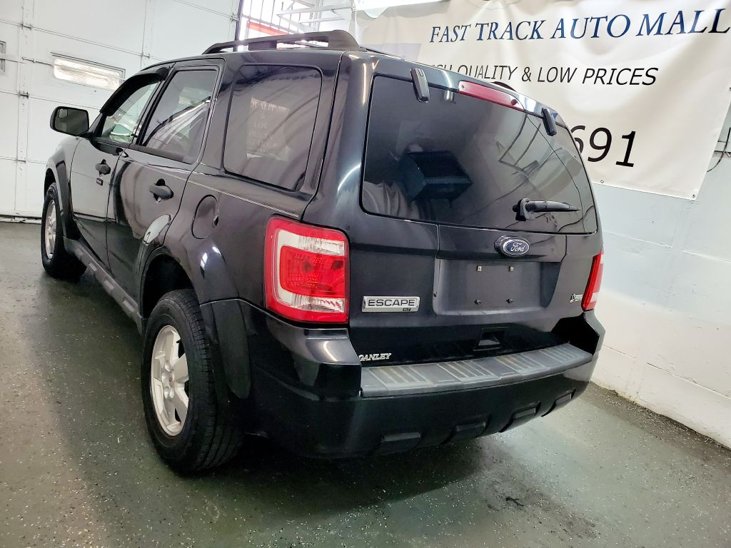 2010 FORD ESCAPE XLT for sale at Fast Track Auto Mall