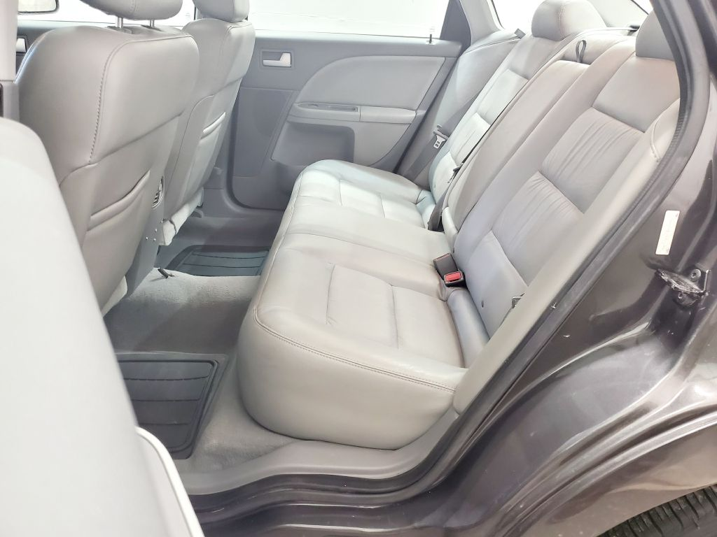 2007 FORD FIVE HUNDRED SEL for sale at Fast Track Auto Mall
