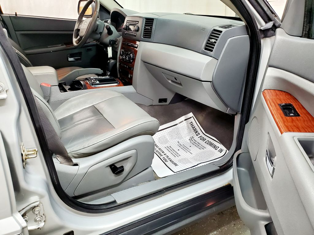 2006 JEEP GRAND CHEROKEE LIMITED for sale at Fast Track Auto Mall