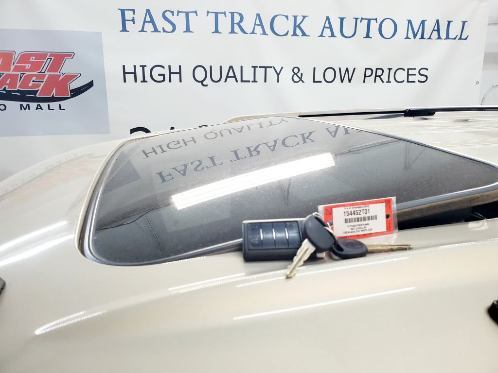 2011 CADILLAC ESCALADE ESV LUXURY for sale at Fast Track Auto Mall