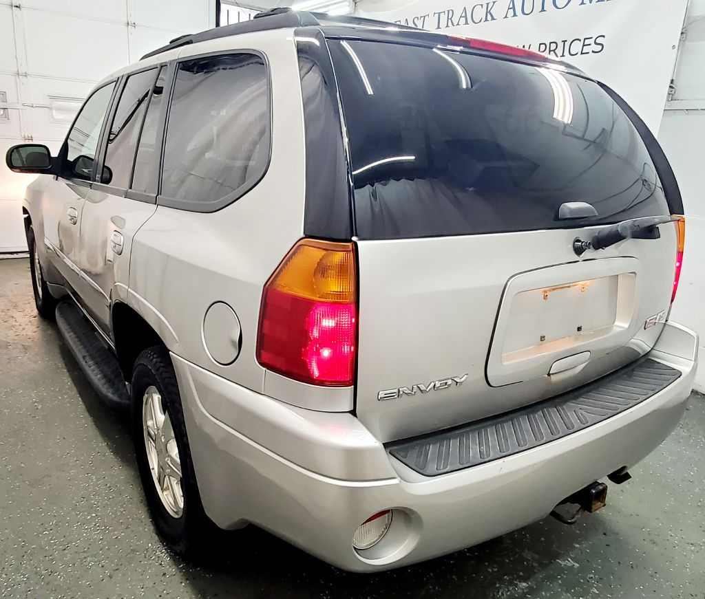 2007 GMC ENVOY SLT for sale at Fast Track Auto Mall