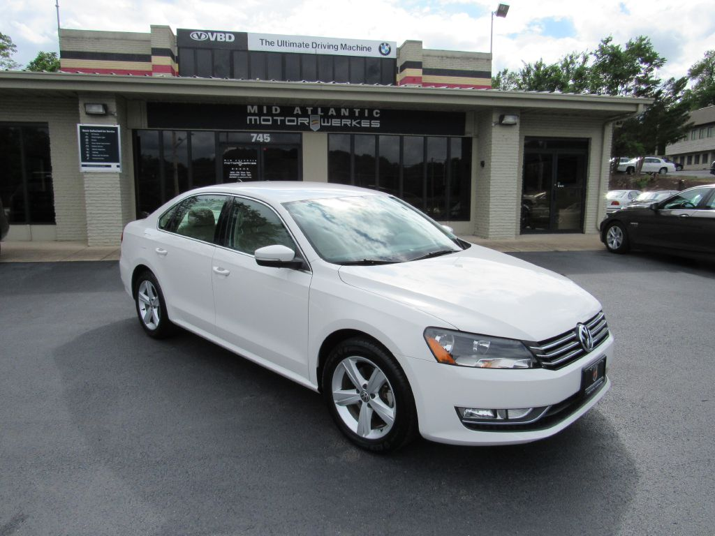 2015 Volkswagen PASSAT S 4 NEW Tires! Superb Condition!