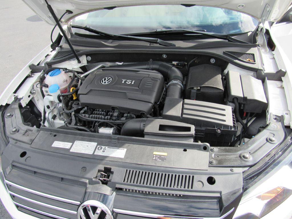 2015 Volkswagen PASSAT S 4 NEW Tires! Superb Condition!