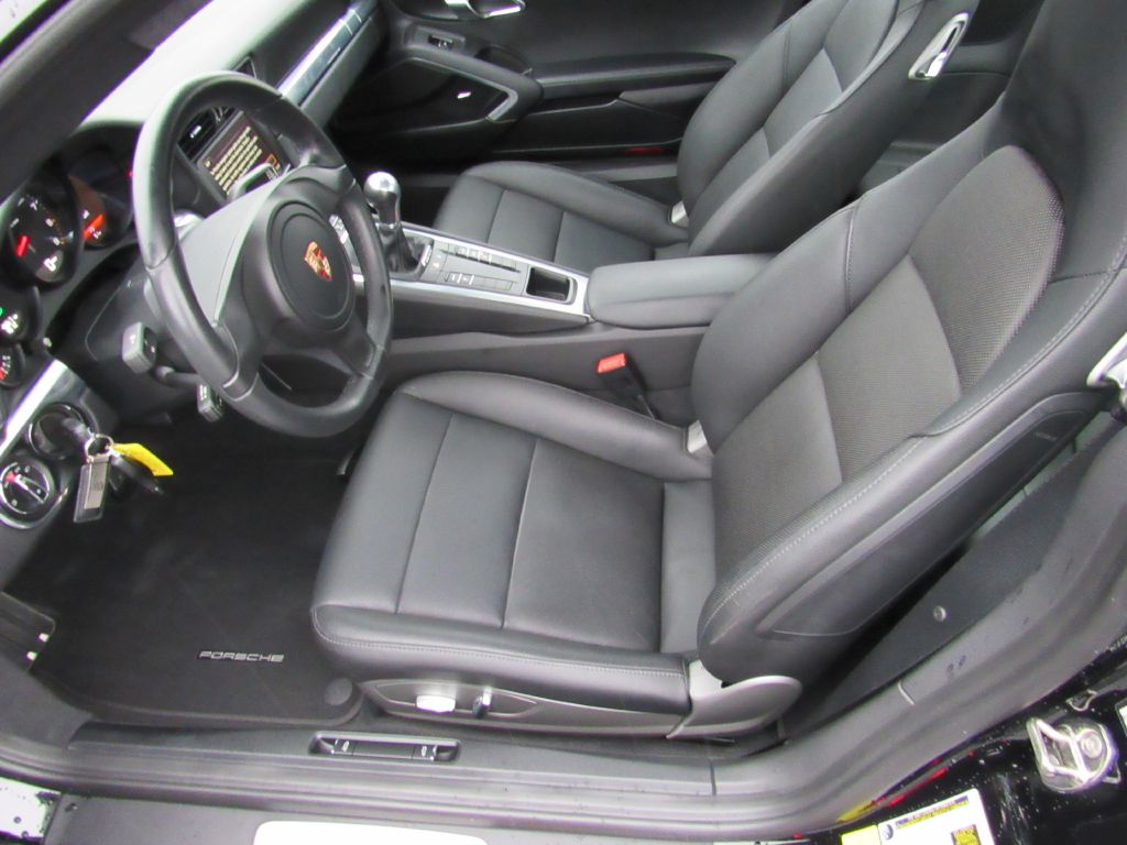 2015 Porsche 911 CARRERA 7-Speed Manual! Only 14k Miles