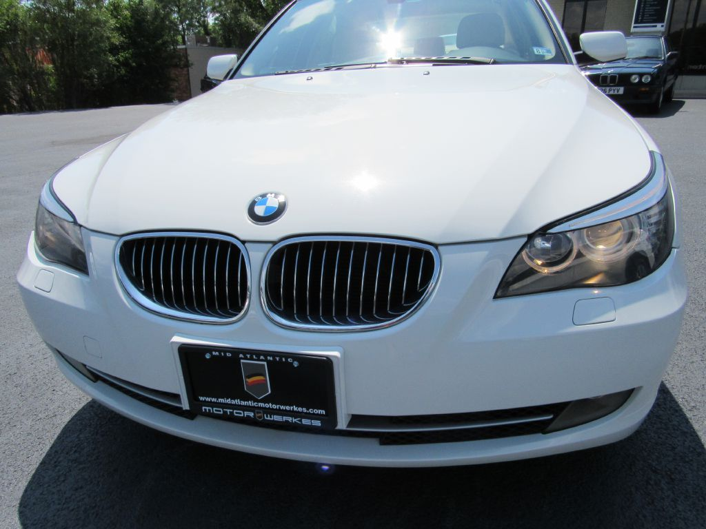 2009 BMW 528I PREMIUM Heated Seats - Only 45k Miles!