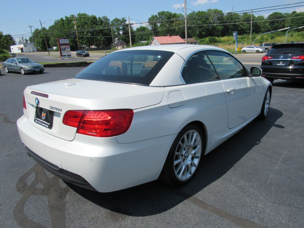 2013 BMW 328 CONVERTIBLE MSport-NAV-Saddle Interior!