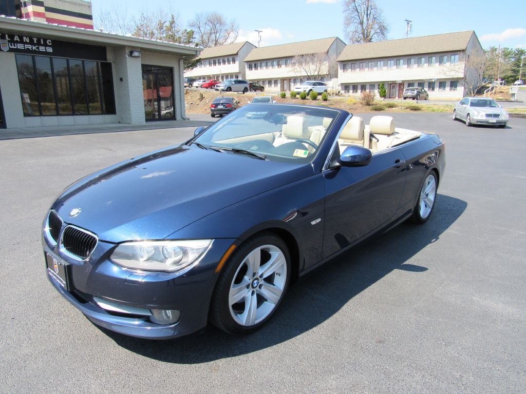 2011 BMW 328 CONVERTIBLE Sport Pkg-Navigation-Heated!!