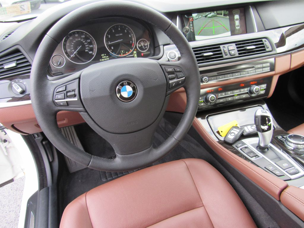 2014 BMW 528 I XDRIVE NAV Rear Camera Split Fold