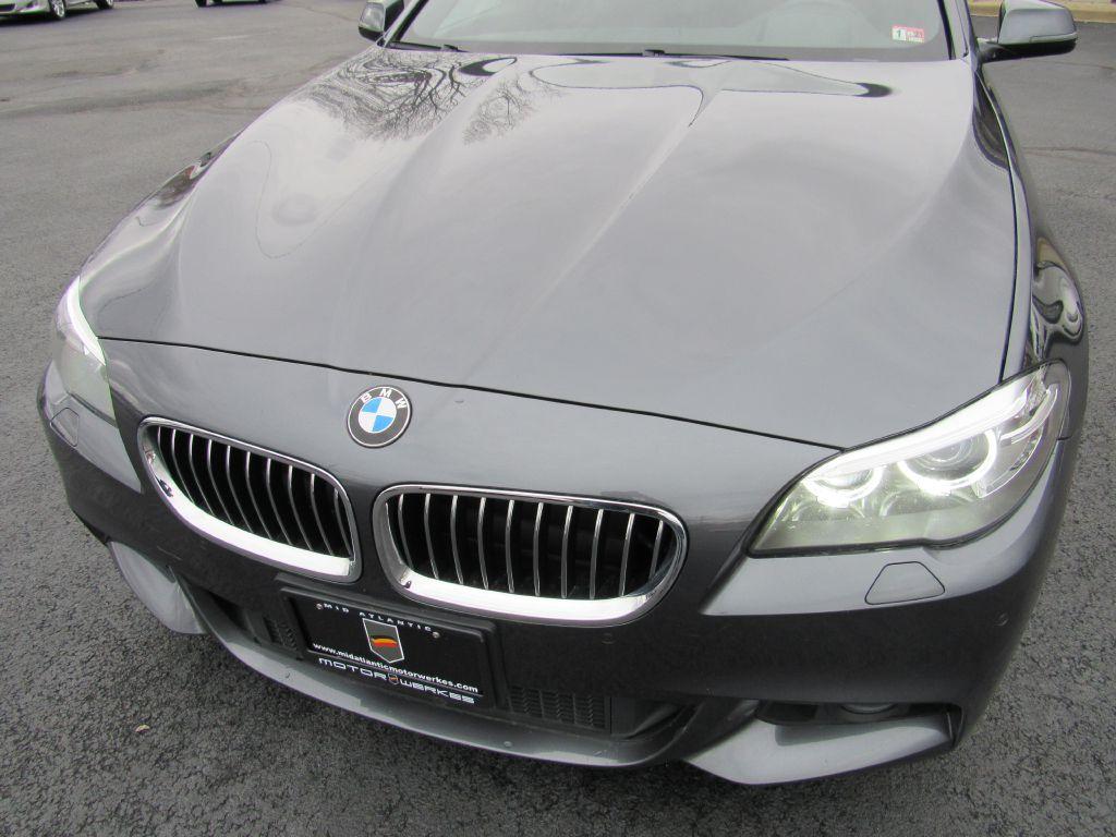 2016 BMW 528 XDRIVE ///M HUGE Options! Blind Spot-CLEAN
