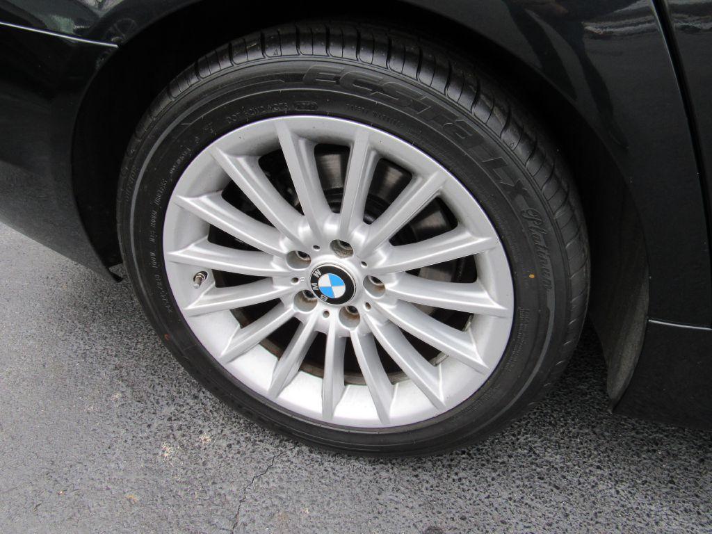 2011 BMW 535I XDRIVE NAV-Rear Camera-Fresh Service!