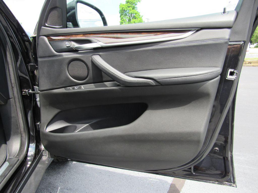 2015 BMW X5 35I XDRIVE NAV-Head Up-LUX Wheels!