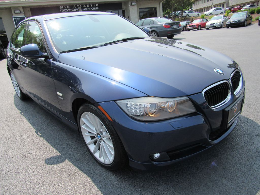 2011 BMW 328I XDRIVE Sport Pkg-New Tires-Serviced! | Mid