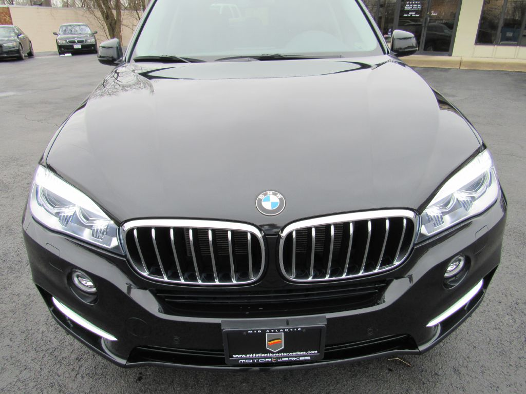 2016 BMW X5 35I XDRIVE LUX Pkg-NAV-Camera-Low Miles!